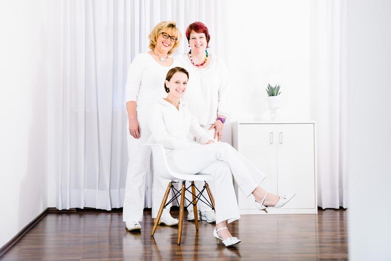 Behandlerinnen für die dauerhafte Haarentfernung
